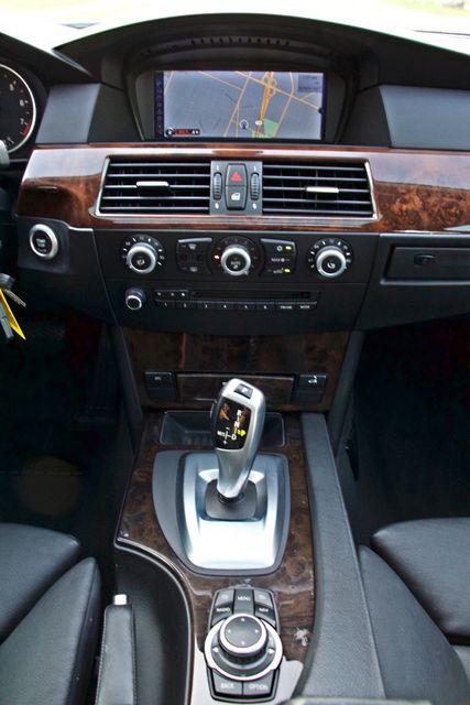 2010 BMW 528I SPORTS / PREMIUM PKG XENON SERVICE RECORDS NAVIGATION SYSTEM BLUETOOTH Woodland Hills, CA 24