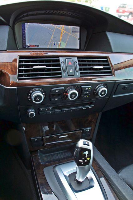 2010 BMW 528I SPORTS / PREMIUM PKG XENON SERVICE RECORDS NAVIGATION SYSTEM BLUETOOTH Woodland Hills, CA 23