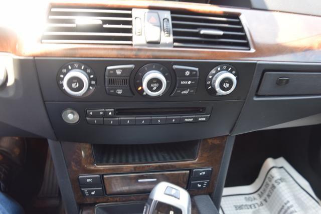 2010 BMW 528i xDrive 4dr Sdn 528i xDrive AWD Richmond Hill, New York 14