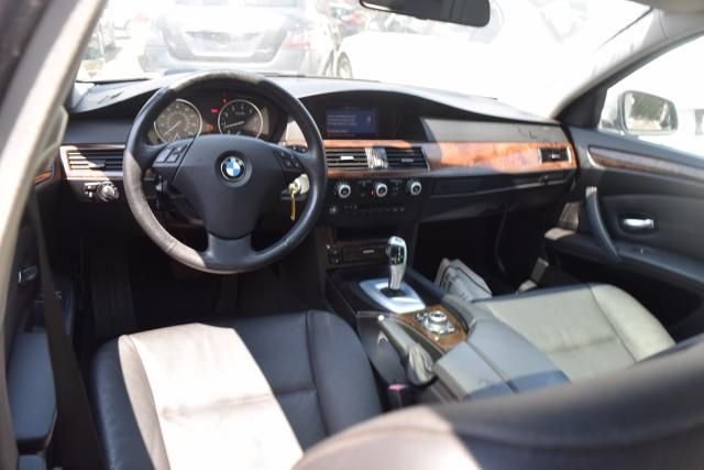 2010 BMW 528i xDrive 4dr Sdn 528i xDrive AWD Richmond Hill, New York 7