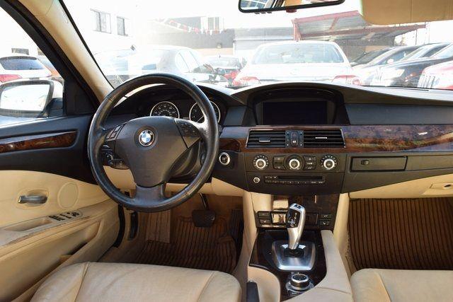 2010 BMW 528i xDrive 528i xDrive Richmond Hill, New York 18