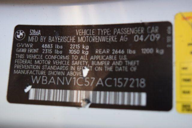 2010 BMW 528i xDrive 528i xDrive Richmond Hill, New York 33