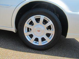 2010 Cadillac DTS w/1SA Batesville, Mississippi 14