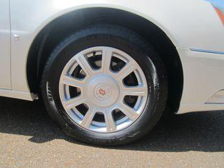 2010 Cadillac DTS w/1SA Batesville, Mississippi 16