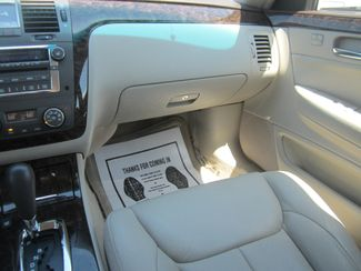 2010 Cadillac DTS w/1SA Batesville, Mississippi 25