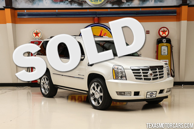 2010 Cadillac Escalade Premium This 2010 Cadillac Escalade Premium is in great shape with only 82