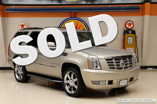2010 Cadillac Escalade Base This Carfax 1-Owner 2010 Cadillac Escalade is in great shape with only