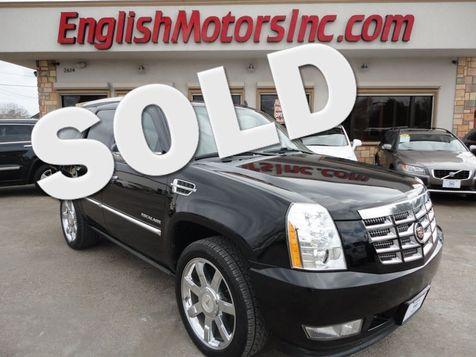 2010 Cadillac Escalade Premium in Brownsville, TX