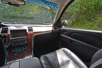 2010 Cadillac Escalade ESV Premium Naugatuck, Connecticut 19