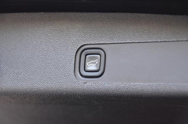 2010 Cadillac Escalade ESV Premium Reseda, CA 23