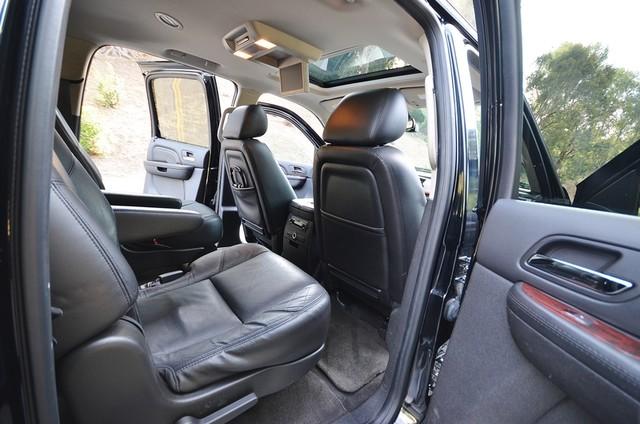 2010 Cadillac Escalade ESV Premium Reseda, CA 26