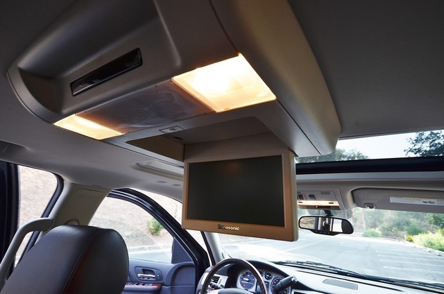 2010 Cadillac Escalade ESV Premium Reseda, CA 29