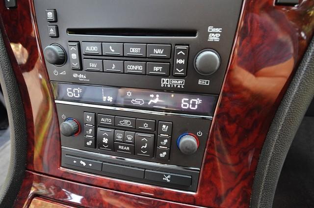 2010 Cadillac Escalade ESV Premium Reseda, CA 8
