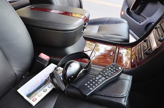 2010 Cadillac Escalade ESV Premium Reseda, CA 32