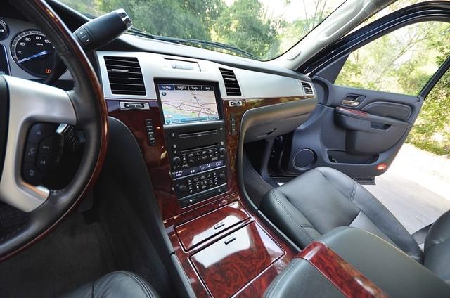 2010 Cadillac Escalade ESV Premium Reseda, CA 35