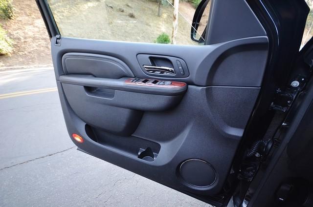 2010 Cadillac Escalade ESV Premium Reseda, CA 36