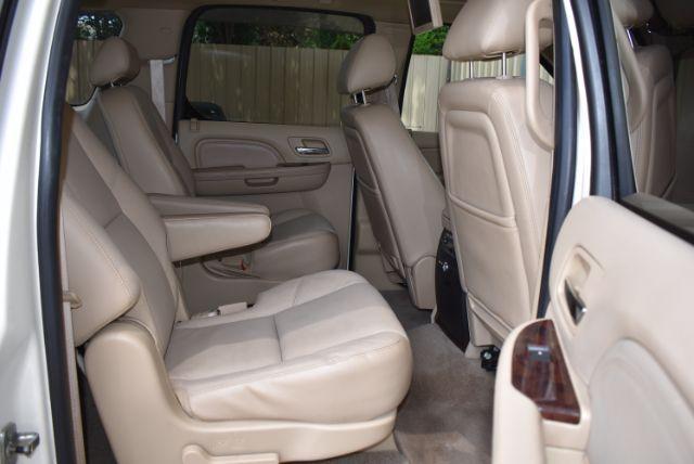 2010 Cadillac Escalade ESV Premium San Antonio , Texas 25