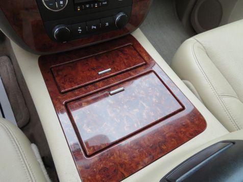 2010 Chevrolet Avalanche LTZ   Abilene, Texas   Freedom Motors  in Abilene, Texas