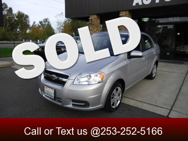2010 Chevrolet Aveo LT This 2010 Aveo LT sedan has set itself as the standard for first-time car b
