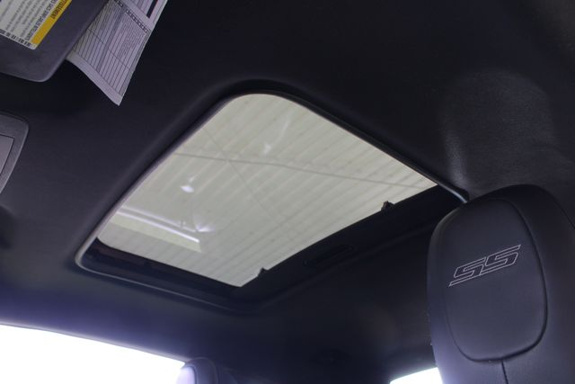 2010 Chevrolet Camaro 2SS RS - SUNROOF - GROUND EFFECTS! Mooresville , NC 5