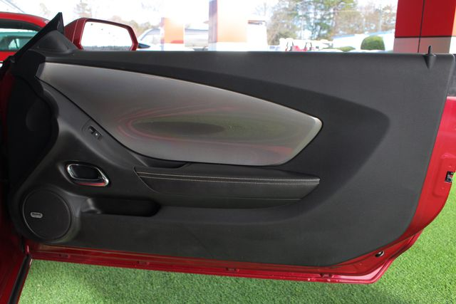 2010 Chevrolet Camaro 2SS RS - SUNROOF - GROUND EFFECTS! Mooresville , NC 43