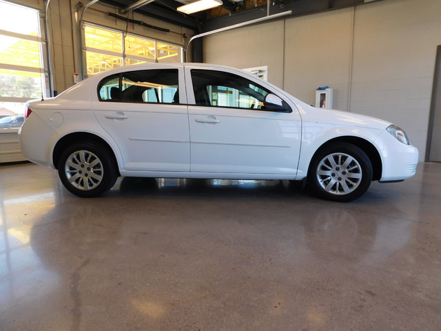 2010 Chevrolet Cobalt LT w1LT  city TN  Doug Justus Auto Center Inc  in Airport Motor Mile ( Metro Knoxville ), TN