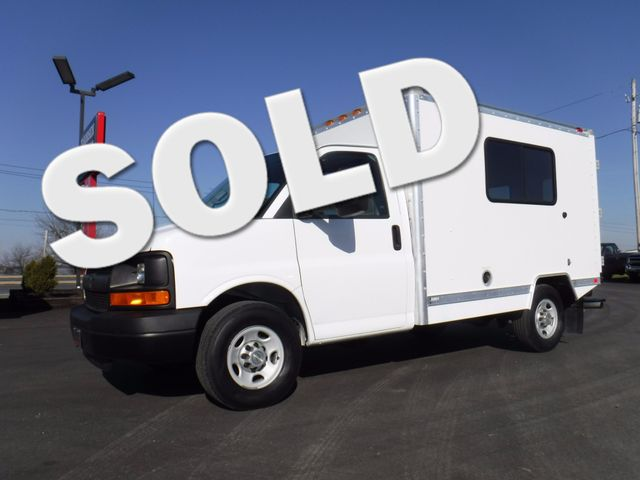 2010 Chevrolet Express 3500 10FT Box Truck in Ephrata PA