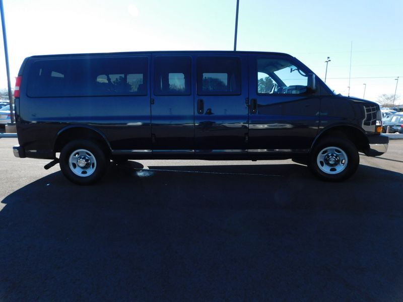 2010 Chevrolet Express Passenger LT  city TN  Doug Justus Auto Center Inc  in Airport Motor Mile ( Metro Knoxville ), TN