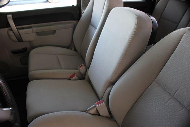 2010 Chevrolet Silverado 1500 LT Mooresville , NC 19