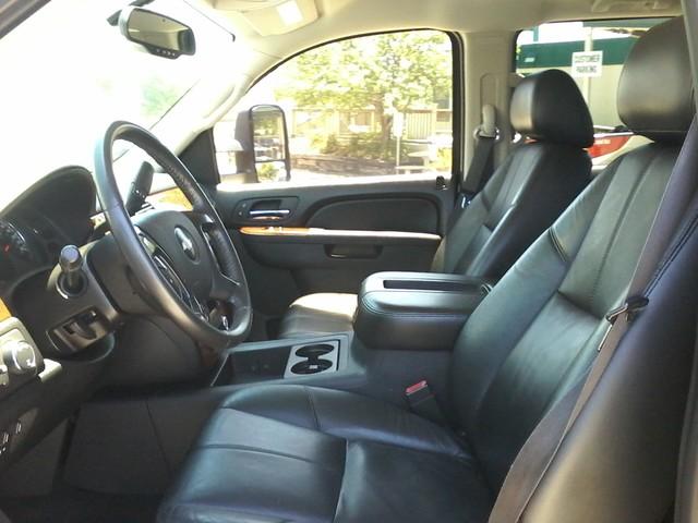 2010 Chevrolet Silverado 3500HD DRW LTZ San Antonio, Texas 9