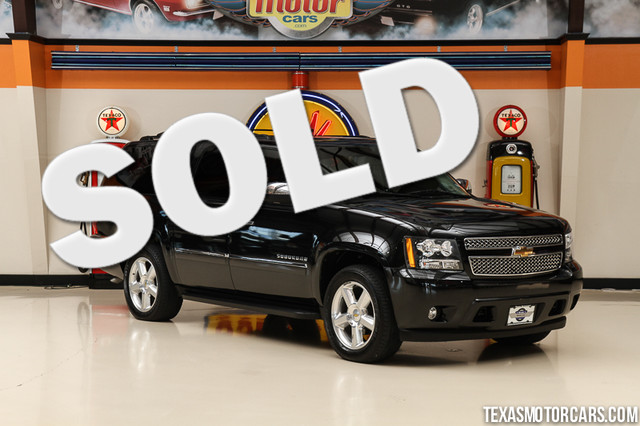 2010 Chevrolet Suburban LTZ This Clean Carfax 2010 Chevrolet Suburban LTZ is in great shape with o