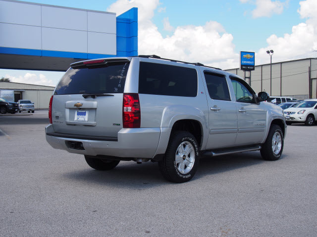 2010 Chevrolet Suburban LT Harrison, Arkansas 3