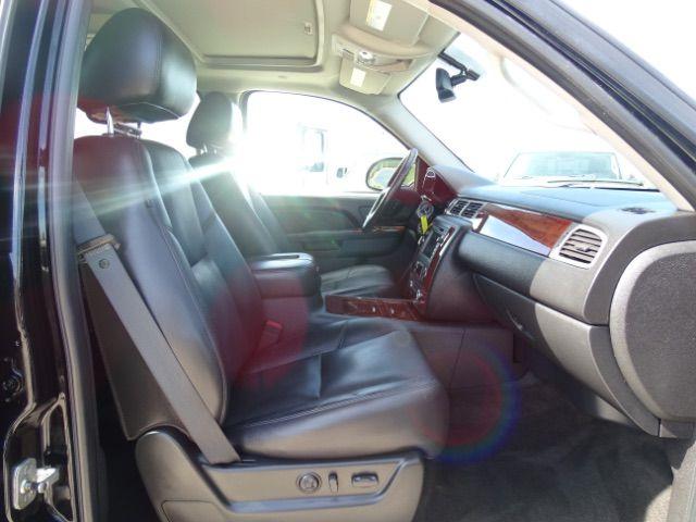 2010 Chevrolet Suburban LTZ San Antonio , Texas 25
