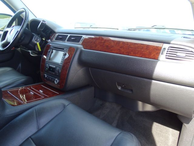 2010 Chevrolet Suburban LTZ San Antonio , Texas 26