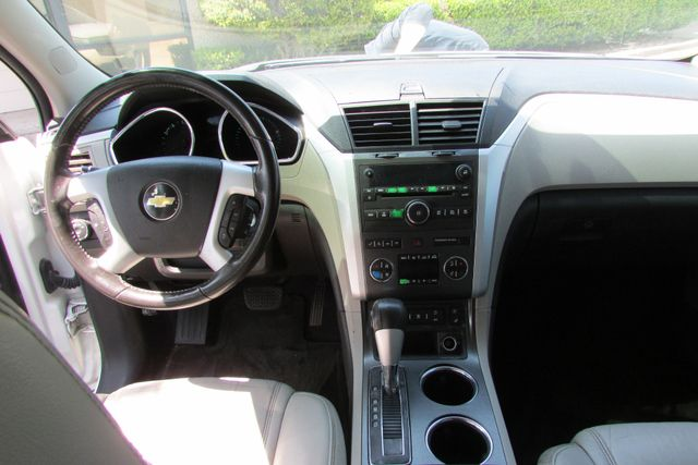 2010 Chevrolet Traverse LTZ Arlington, Texas 43
