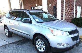2010 Chevrolet-3 Owner!! Carfax Clean! Traverse-CARMARTSOUTH.COM LS-17 YEARS IN BUSINESS!! Knoxville, Tennessee 2