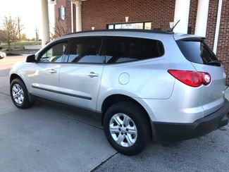 2010 Chevrolet-3 Owner!! Carfax Clean! Traverse-CARMARTSOUTH.COM LS-17 YEARS IN BUSINESS!! Knoxville, Tennessee 5