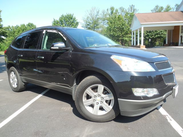 2010 Chevrolet Traverse LT w/2LT Leesburg, Virginia 0