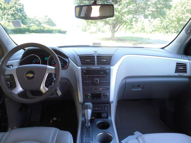 2010 Chevrolet Traverse LT w/2LT Leesburg, Virginia 13