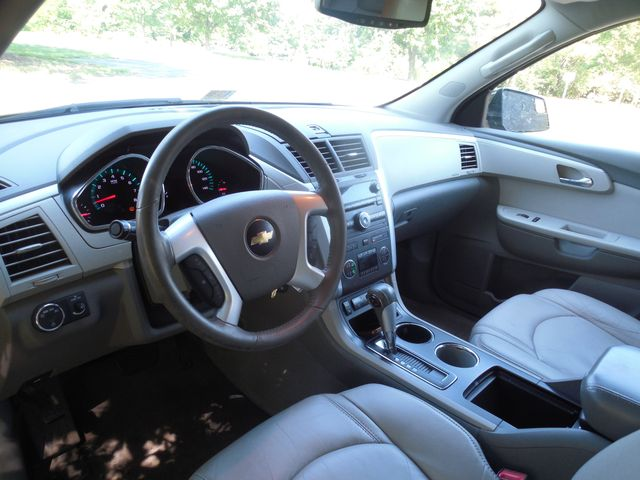 2010 Chevrolet Traverse LT w/2LT Leesburg, Virginia 15