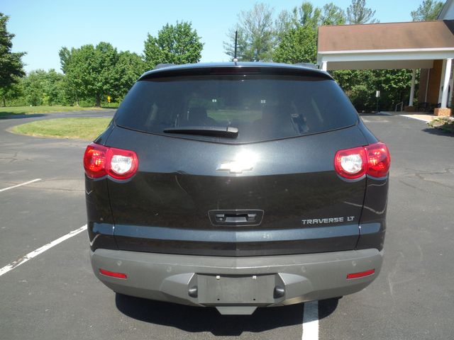 2010 Chevrolet Traverse LT w/2LT Leesburg, Virginia 3