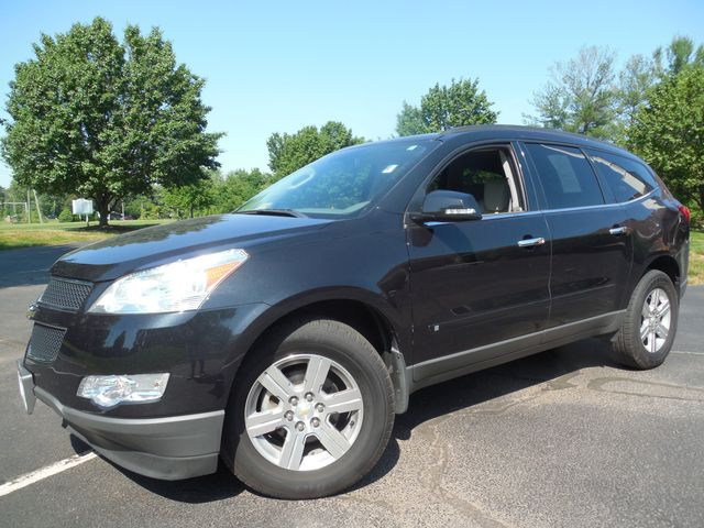 2010 Chevrolet Traverse LT w/2LT Leesburg, Virginia 1