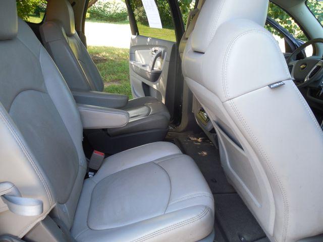 2010 Chevrolet Traverse LT w/2LT Leesburg, Virginia 11