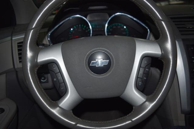 2010 Chevrolet Traverse LT w/2LT Richmond Hill, New York 14
