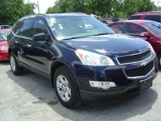 2010 Chevrolet Traverse LS San Antonio, Texas 1