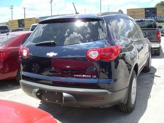 2010 Chevrolet Traverse LS San Antonio, Texas 3