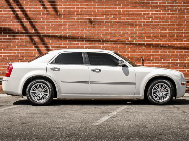 2010 Chrysler 300 Touring Burbank, CA 3