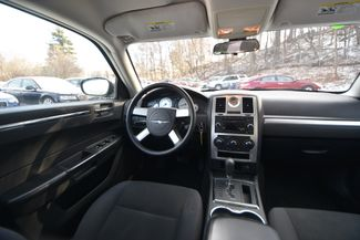 2010 Chrysler 300 Touring Naugatuck, Connecticut 14