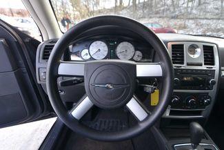 2010 Chrysler 300 Touring Naugatuck, Connecticut 18