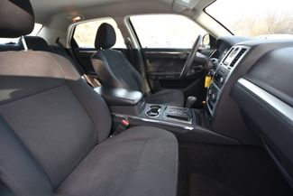 2010 Chrysler 300 Touring Naugatuck, Connecticut 9